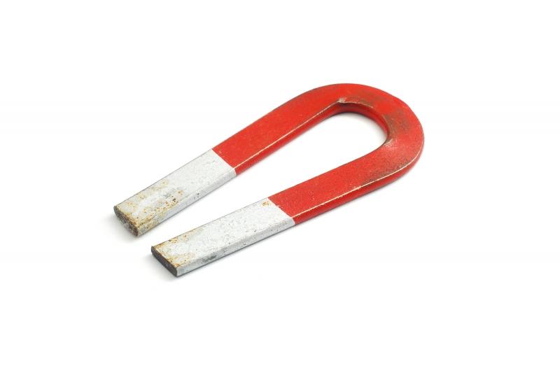 3424617-horseshoe-magnet